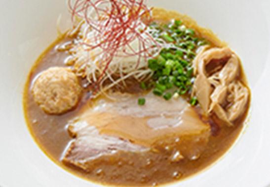 クリーミー鶏白湯カレーラーメン